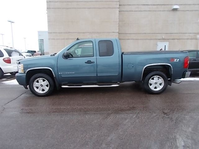 2009 Chevrolet Silverado 1500 LT available in Sioux Falls and Cedar Rapids