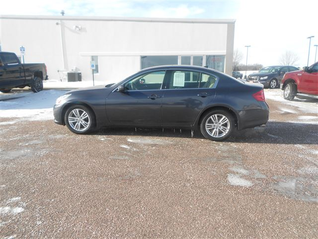 2010 Infiniti G37 Sedan x available in Sioux Falls and Cedar Rapids